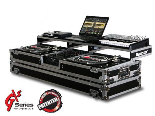 "Remixer Case with 10"" Mixer and Turntables"